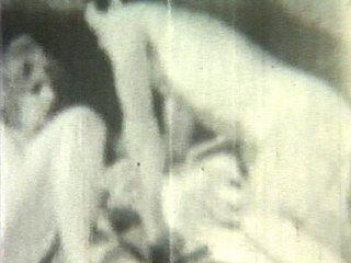 Voici la première vidéo amateur de la grand mère de Pamela Anderson ! Un chef d'oeuvre...